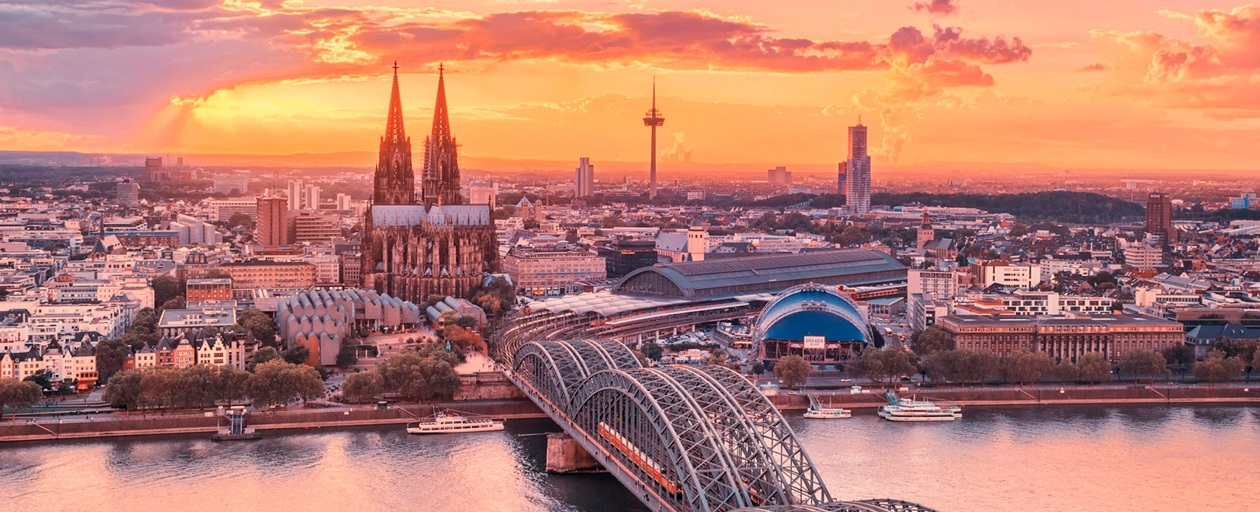 Seis marcas diseñadas por gorricho en la muestra de diseño en Köln, Alemania.
