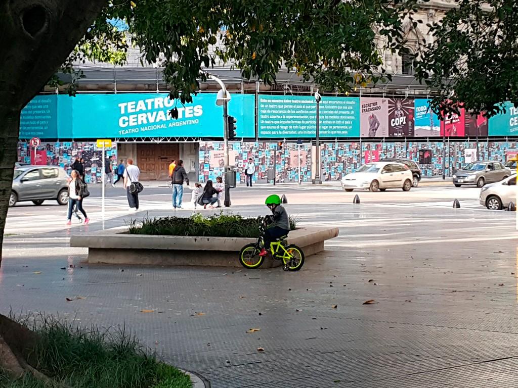 Diseño de identidad Teatro Nacional Argentino - Teatro Cervantes