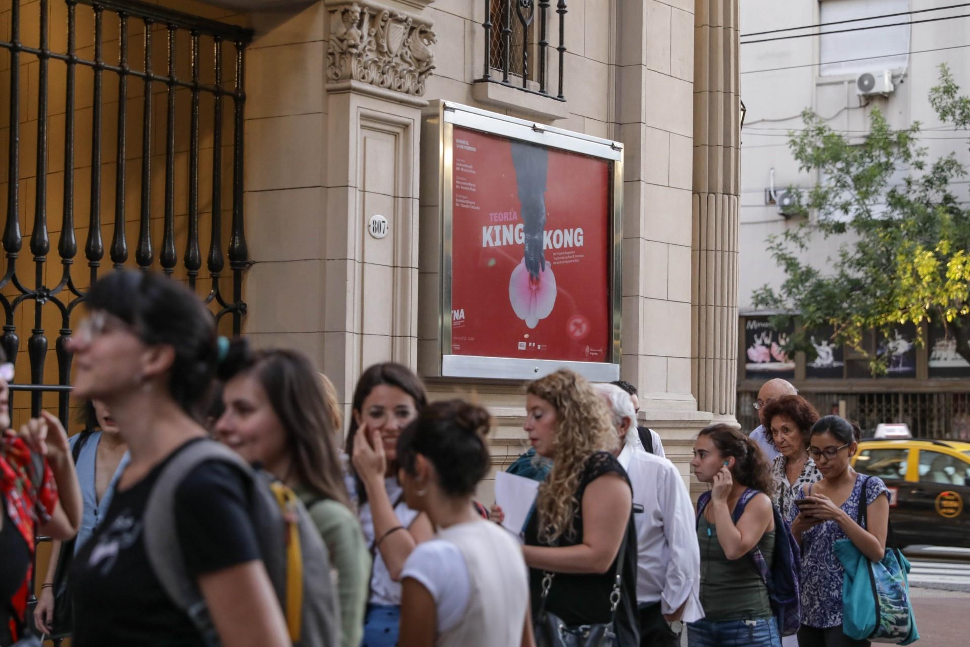 Diseño de afiches Teatro Nacional Argentino - Teatro Cervantes - Teoría King Kong