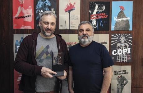 1er. Premio de Diseño Gráfico en la 3ra. Bienal de Diseño FADU.