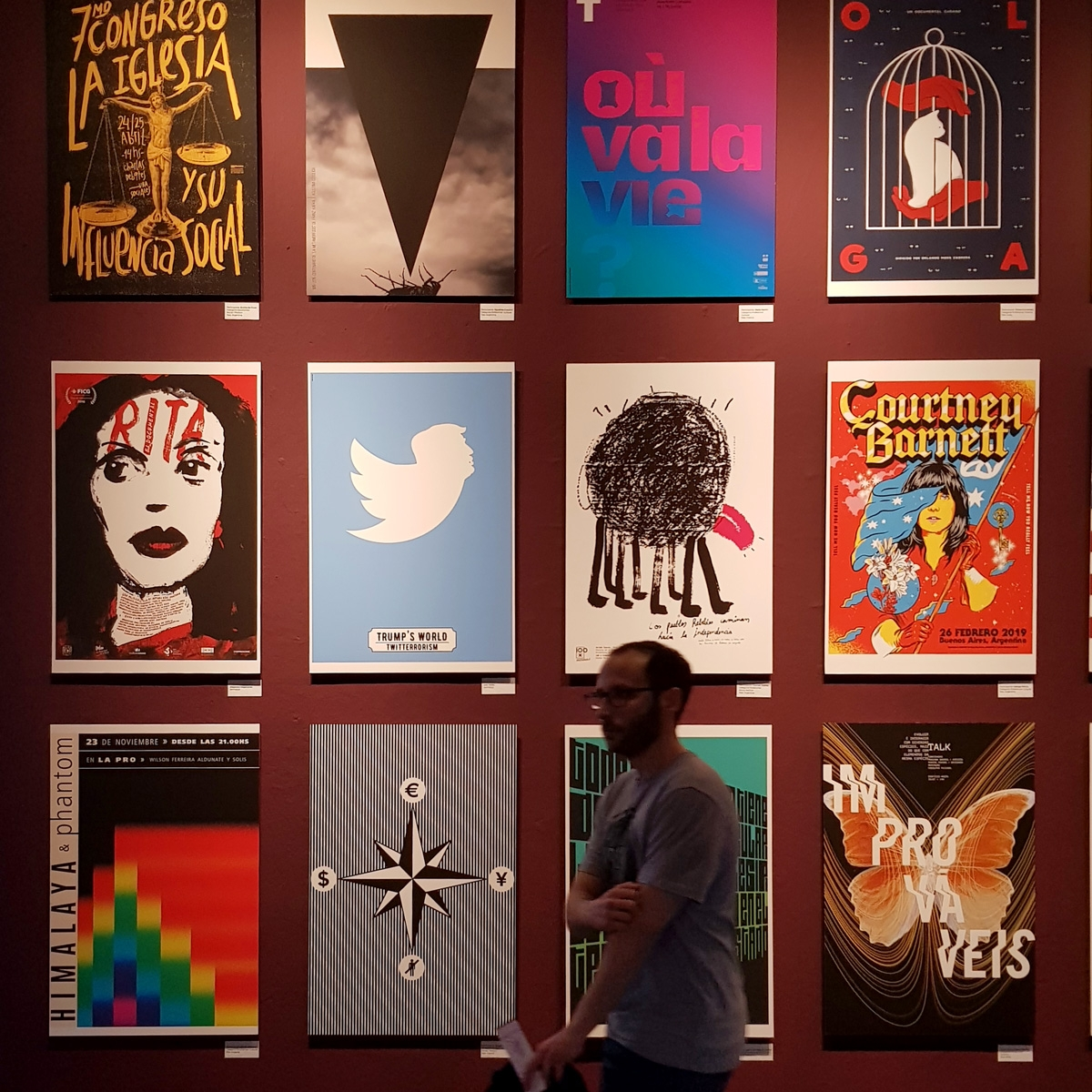 Diseño de afiches en la Bienal BA